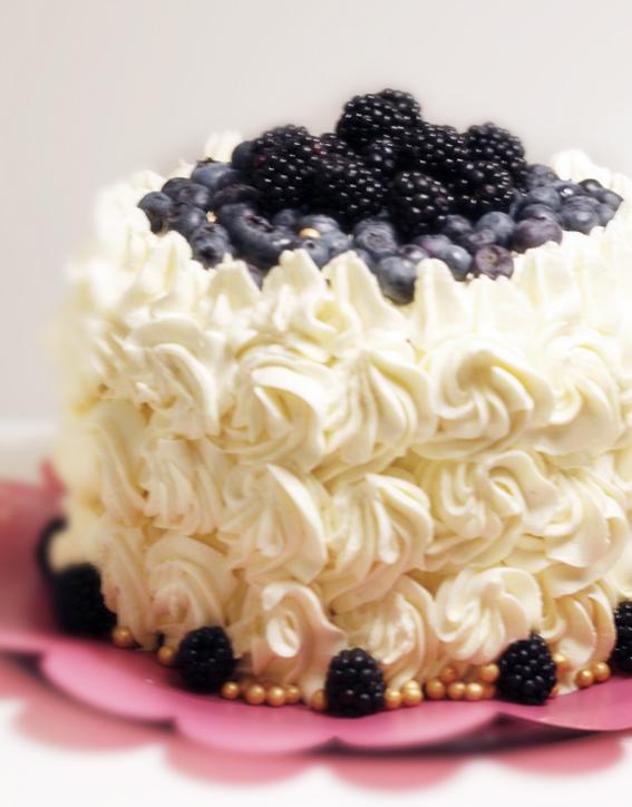 tårta med blåbär och citronkräm