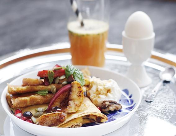 pannkakor, morötter, kardemumma, kvarg, turkisk yoghurt, frukostbricka, lyx, brunch