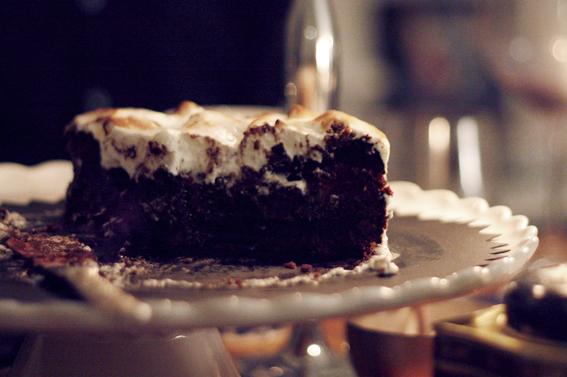 choklad hallon kladdkaka tårta maräng italienskmaräng