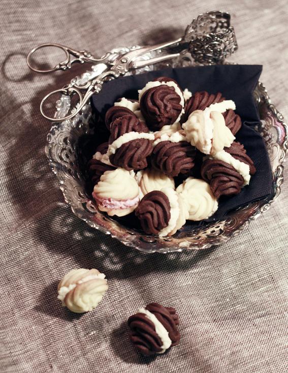 chokladkakor med fyllning vanilj