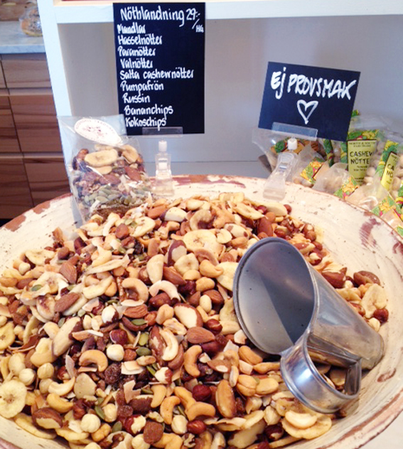 rosendals trädgård butik cafe nötter