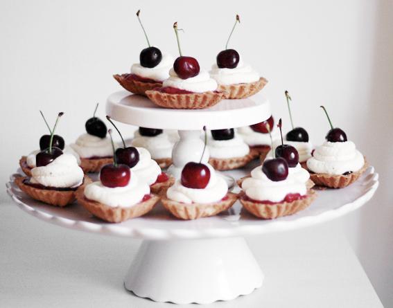 mördegsbakelse körsbär rabarberkompott macaro choklad macarons