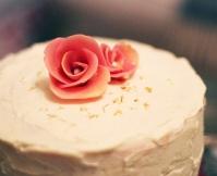 marsipanros tårta