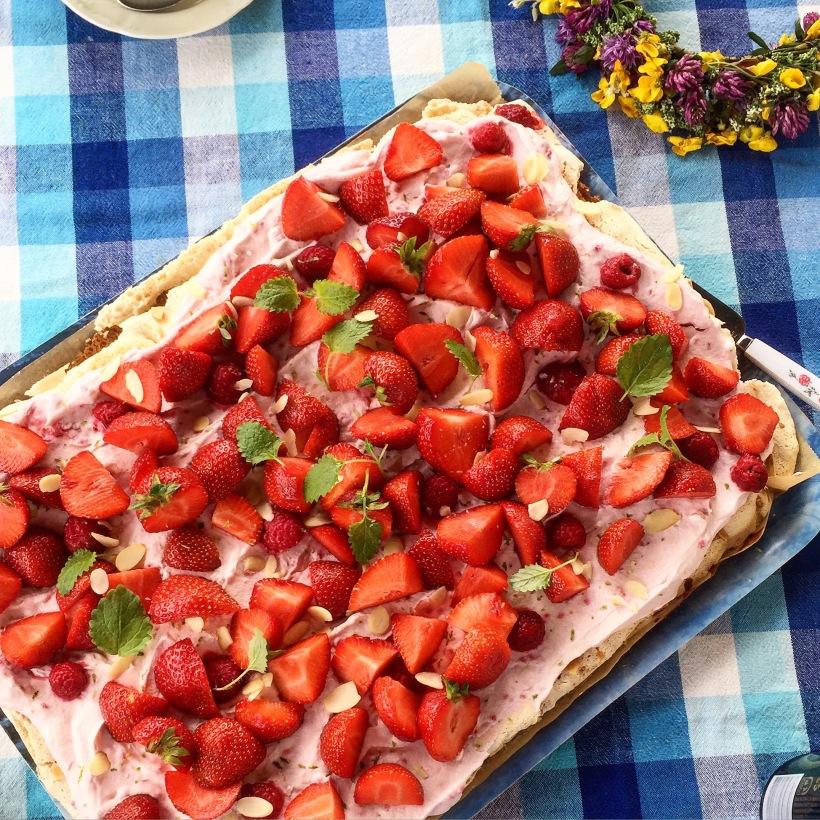 sommar tårta jordgubb